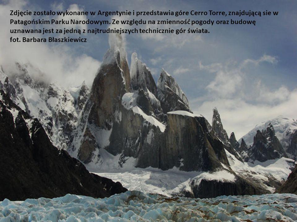 Zdjęcie zostało wykonane w Argentynie i przedstawia góre Cerro Torre, znajdującą sie w Patagońskim Parku Narodowym.