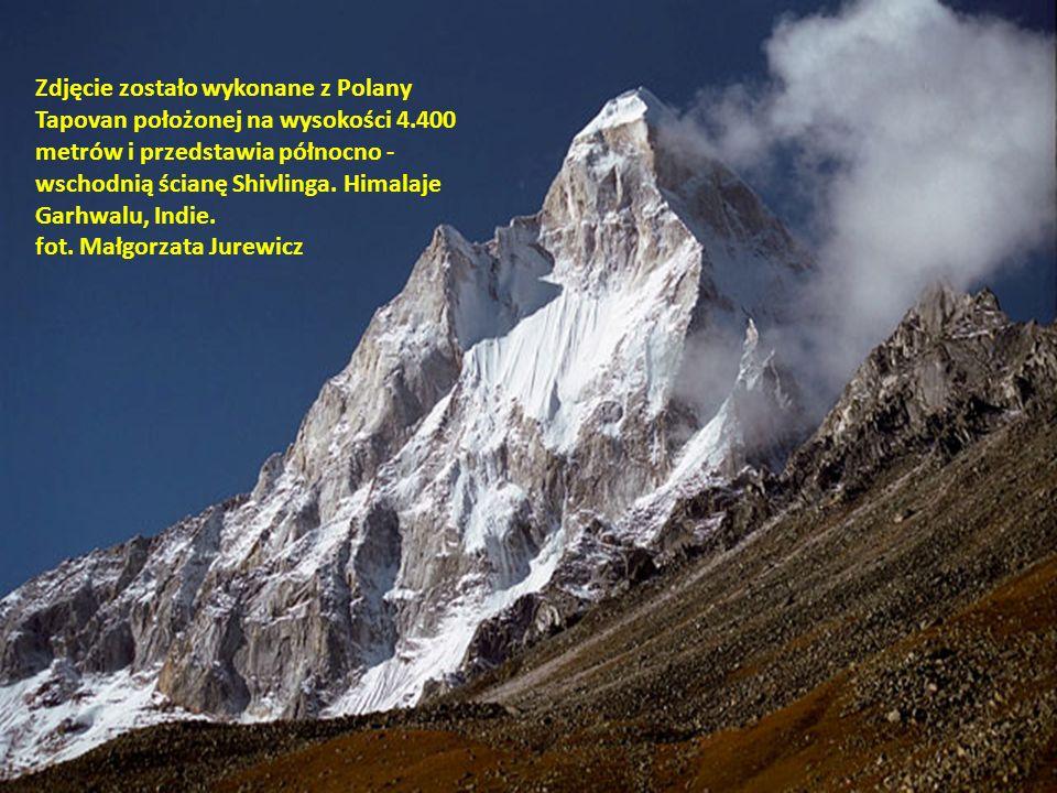 Zdjęcie zostało wykonane z Polany Tapovan położonej na wysokości 4