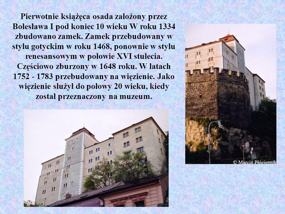 Pierwotnie książęca osada założony przez Bolesława I pod koniec 10 wieku W roku 1334 zbudowano zamek.