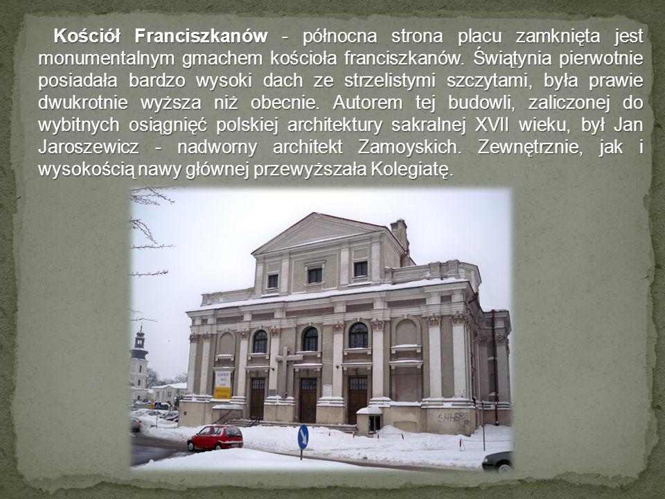 Kościół Franciszkanów - północna strona placu zamknięta jest monumentalnym gmachem kościoła franciszkanów.