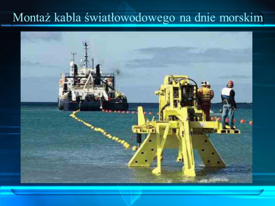 Montaż kabla światłowodowego na dnie morskim