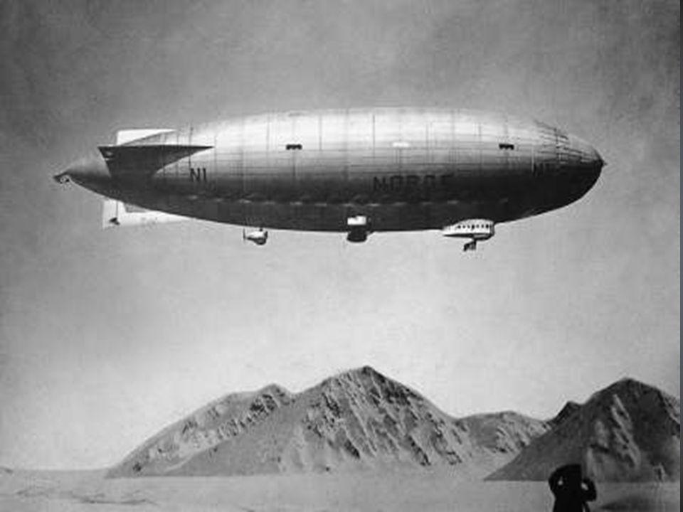 1925- Dla zdobywcy takiego jak Amundsen, nie istniały już żadne wielkie wyzwania. Nadal jednak istniała jedna rzecz, której chciał dokonać – pragnął spenetrować Ocean Arktyczny drogą powietrzną. W 1925 roku Amundsen przeprowadził śmiałą wyprawę, zaopatrzony w dwa hydroplany, N24 i N25. Samoloty rozbiły się na lodzie na 88 stopniu szerokości geograficznej północnej, jednak załodze udało się jednym z nich powtórnie wystartować i trzy tygodnie później powróciła ona na wyspy Svalbard.