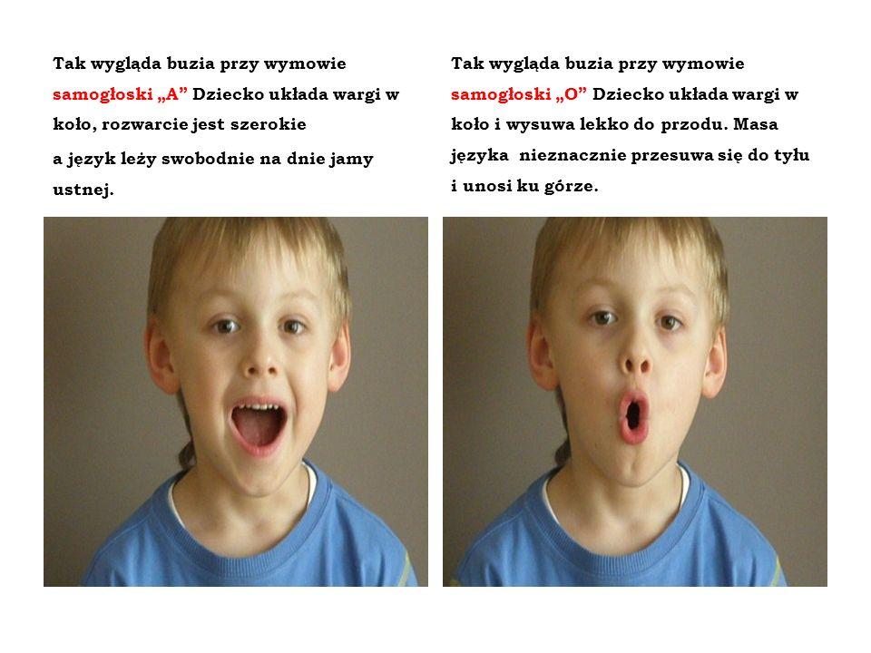 """Tak wygląda buzia przy wymowie samogłoski """"O Dziecko układa wargi w koło i wysuwa lekko do przodu. Masa języka nieznacznie przesuwa się do tyłu i unosi ku górze."""