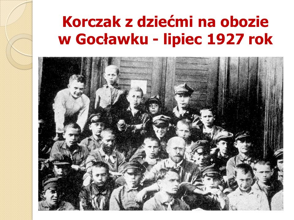 Korczak z dziećmi na obozie w Gocławku - lipiec 1927 rok