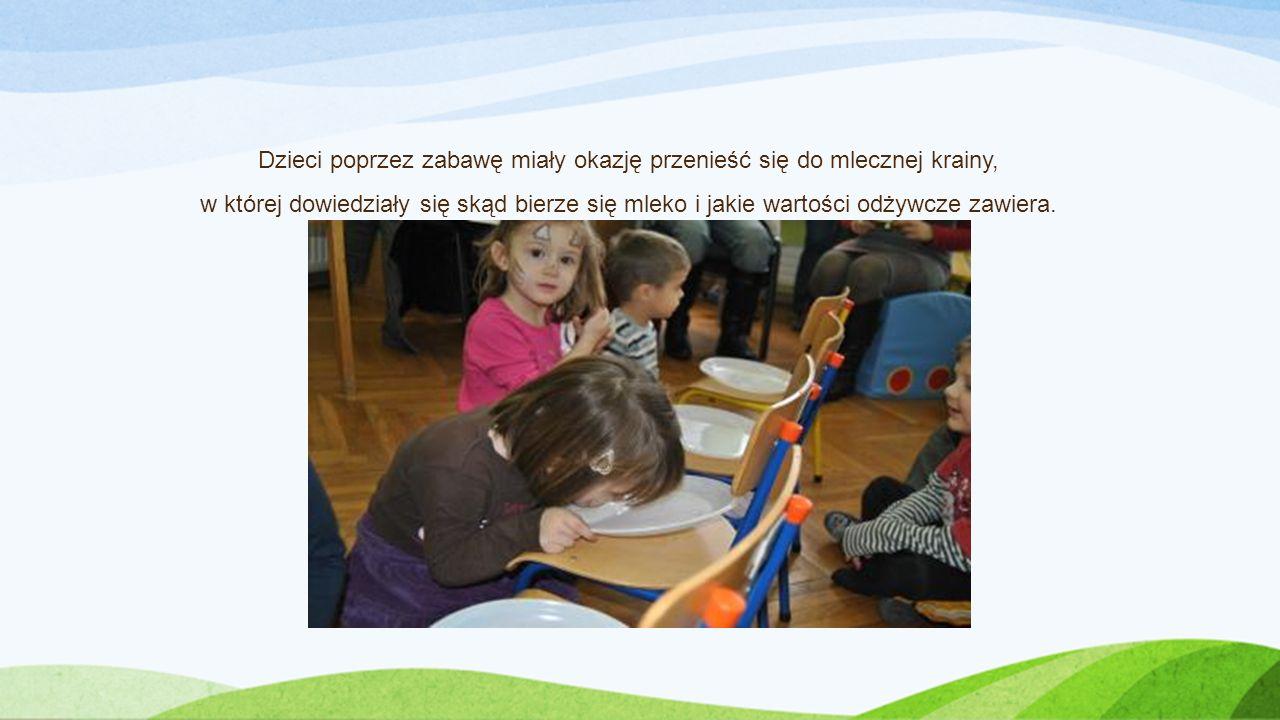 Dzieci poprzez zabawę miały okazję przenieść się do mlecznej krainy, w której dowiedziały się skąd bierze się mleko i jakie wartości odżywcze zawiera.