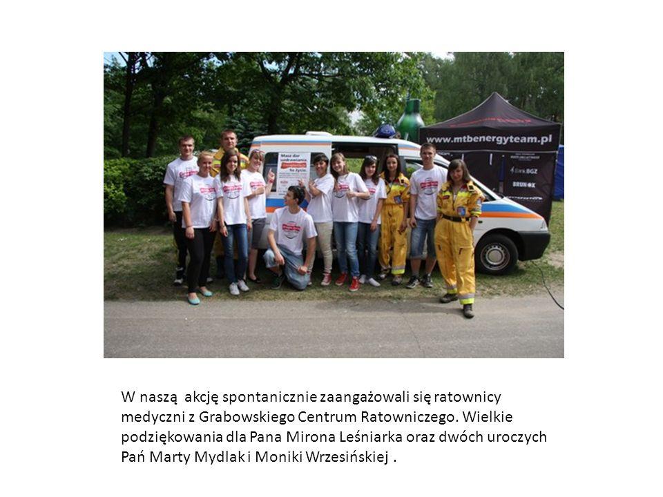 W naszą akcję spontanicznie zaangażowali się ratownicy medyczni z Grabowskiego Centrum Ratowniczego.