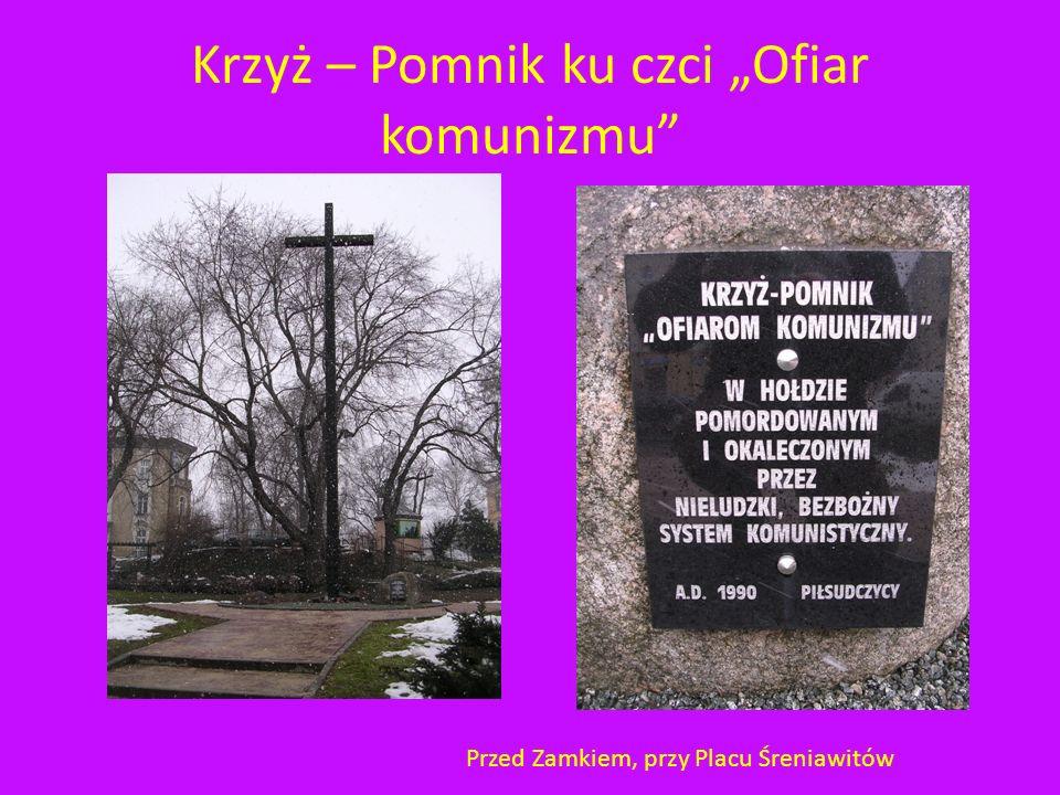"""Krzyż – Pomnik ku czci """"Ofiar komunizmu"""