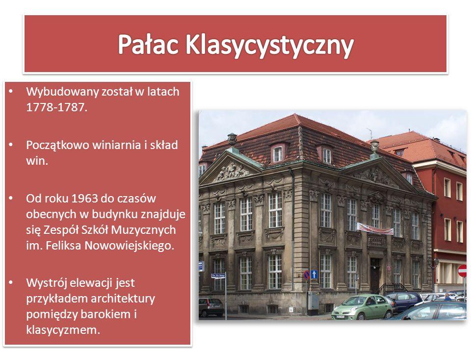 Pałac Klasycystyczny Wybudowany został w latach 1778-1787.