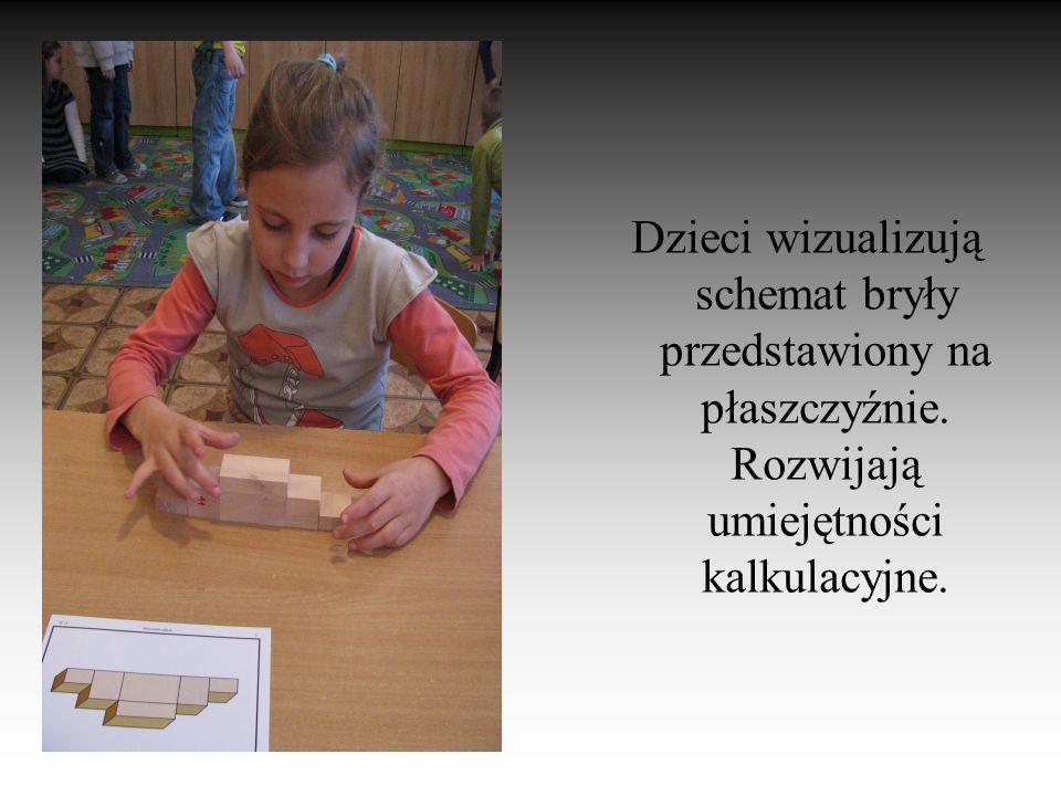 Dzieci wizualizują schemat bryły przedstawiony na płaszczyźnie