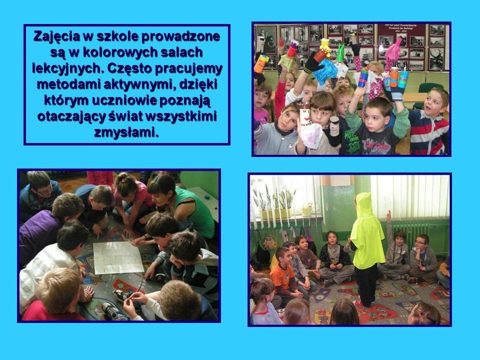 Zajęcia w szkole prowadzone są w kolorowych salach lekcyjnych