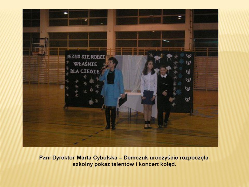 szkolny pokaz talentów i koncert kolęd.