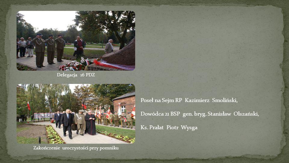 Zakończenie uroczystości przy pomniku