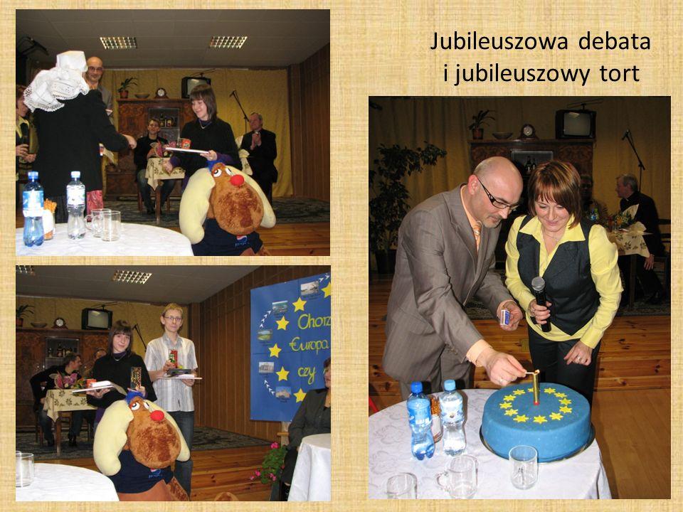 Jubileuszowa debata i jubileuszowy tort