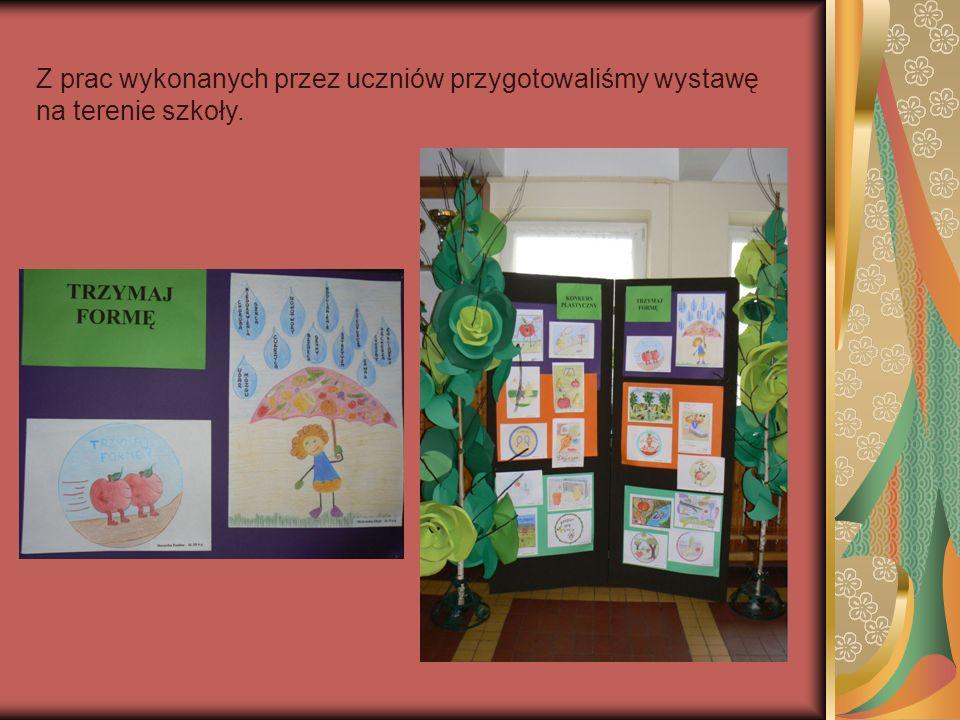 Z prac wykonanych przez uczniów przygotowaliśmy wystawę na terenie szkoły.