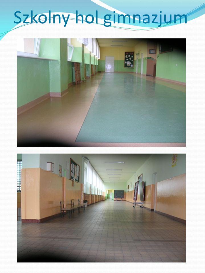 Szkolny hol gimnazjum