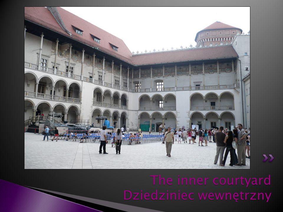 The inner courtyard Dziedziniec wewnętrzny