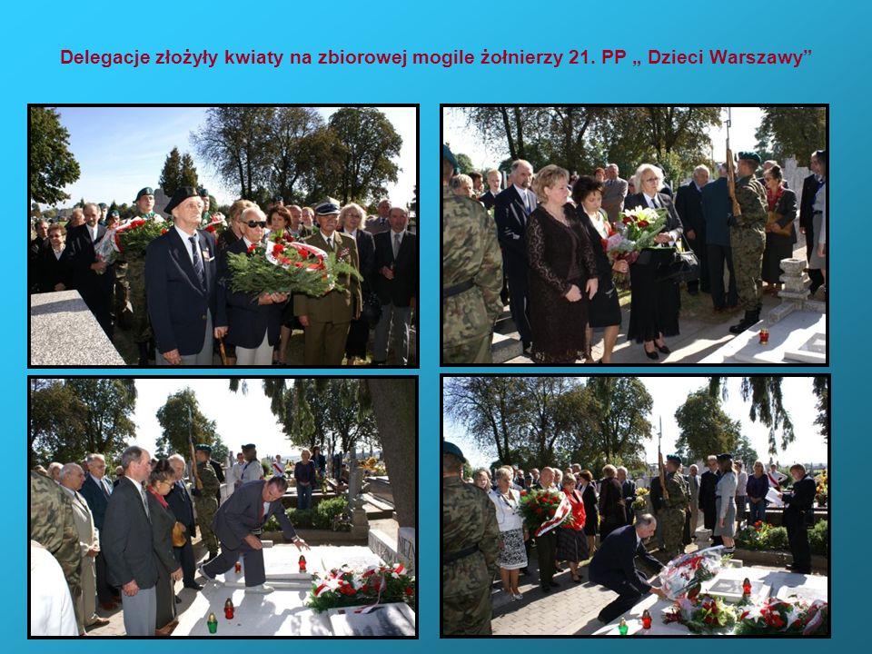 Delegacje złożyły kwiaty na zbiorowej mogile żołnierzy 21