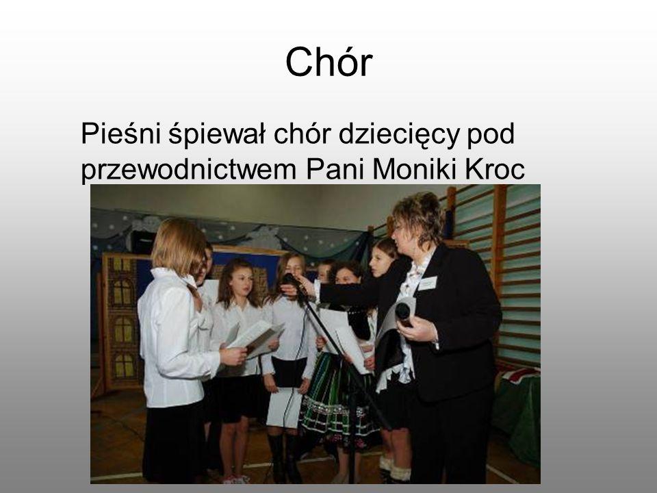 Chór Pieśni śpiewał chór dziecięcy pod przewodnictwem Pani Moniki Kroc