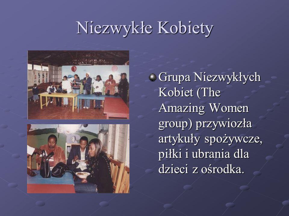 Niezwykłe Kobiety Grupa Niezwykłych Kobiet (The Amazing Women group) przywiozła artykuły spożywcze, piłki i ubrania dla dzieci z ośrodka.