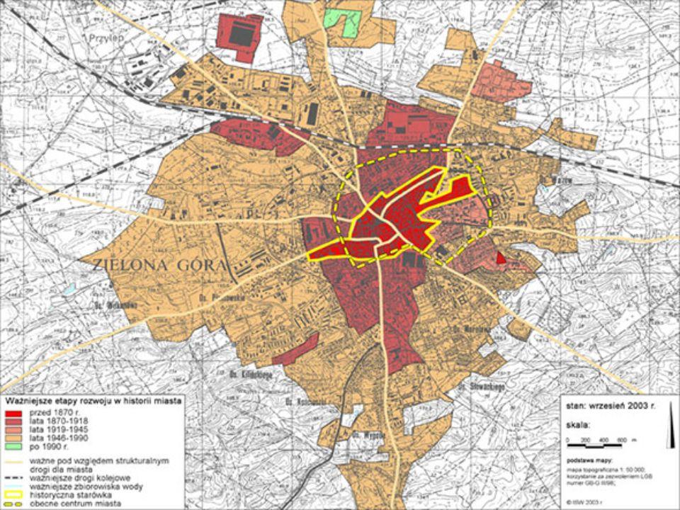 W 1923 roku jego powierzchnia wynosiła 3,7 km2 wobec około 2,8 km2 w początkach wieku XIX.
