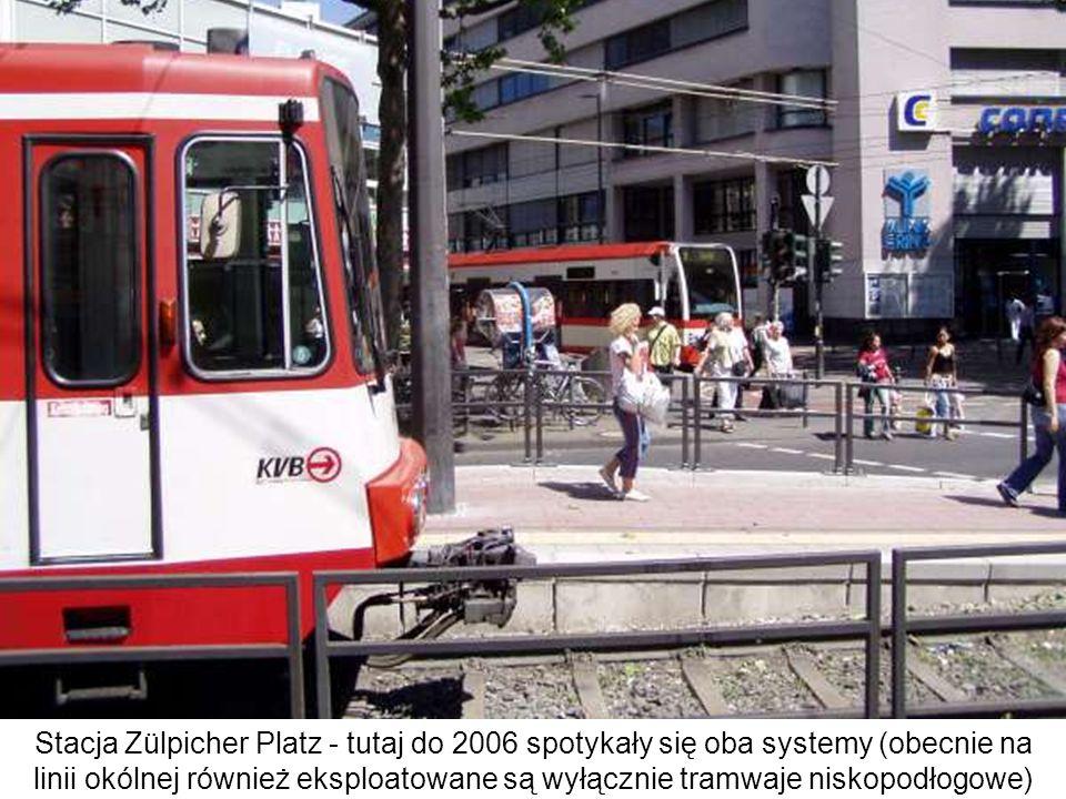 Stacja Zülpicher Platz - tutaj do 2006 spotykały się oba systemy (obecnie na linii okólnej również eksploatowane są wyłącznie tramwaje niskopodłogowe)