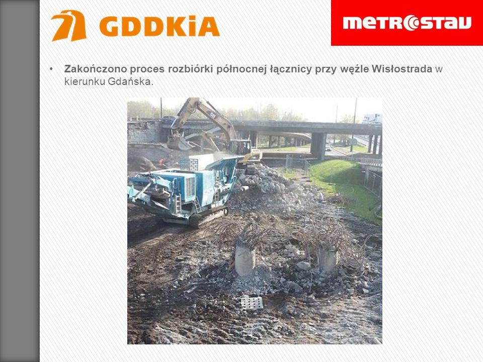 Zakończono proces rozbiórki północnej łącznicy przy węźle Wisłostrada w kierunku Gdańska.