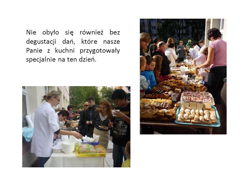 Nie obyło się również bez degustacji dań, które nasze Panie z kuchni przygotowały specjalnie na ten dzień.