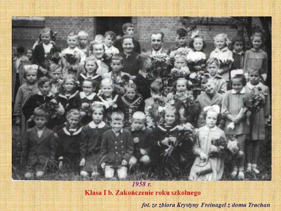 1958 r. Klasa I b. Zakończenie roku szkolnego