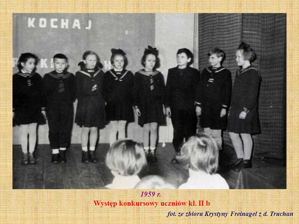 1959 r. Występ konkursowy uczniów kl. II b