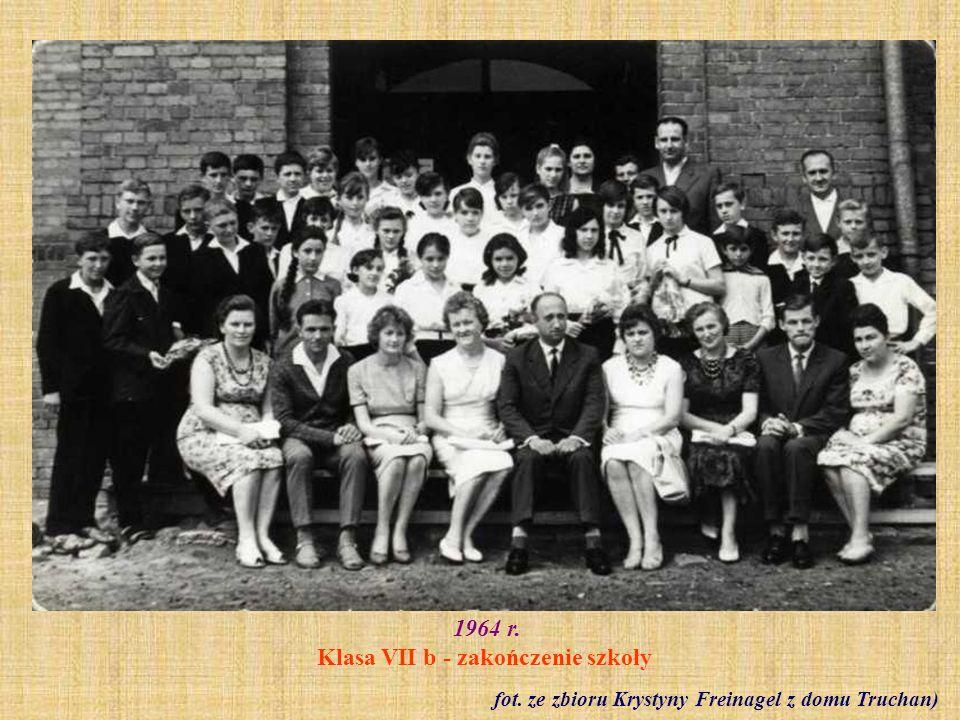 1964 r. Klasa VII b - zakończenie szkoły