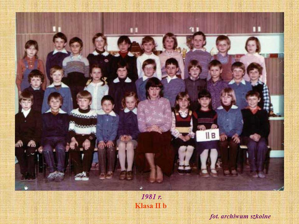 1981 r. Klasa II b fot. archiwum szkolne
