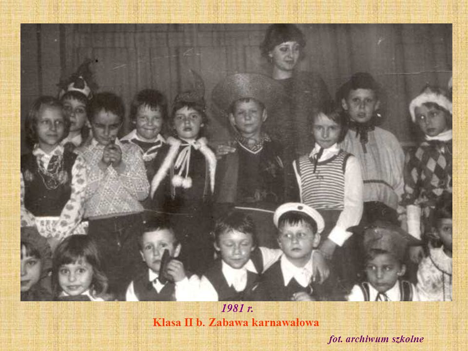 1981 r. Klasa II b. Zabawa karnawałowa