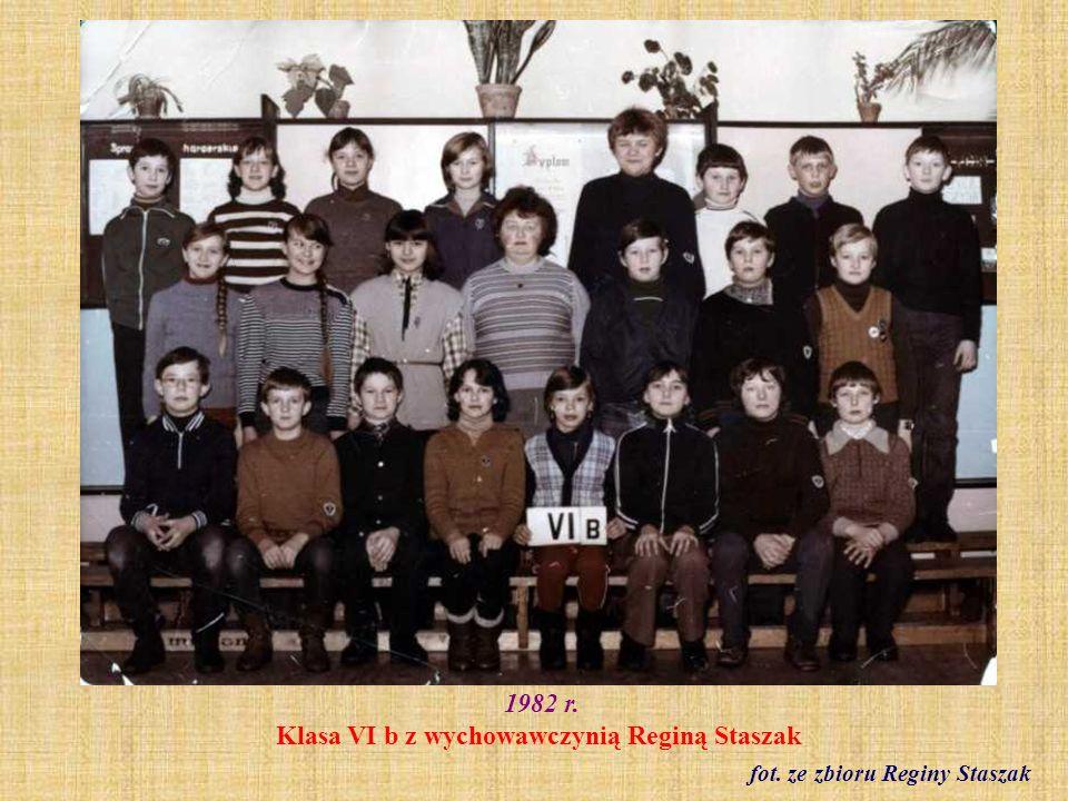 1982 r. Klasa VI b z wychowawczynią Reginą Staszak