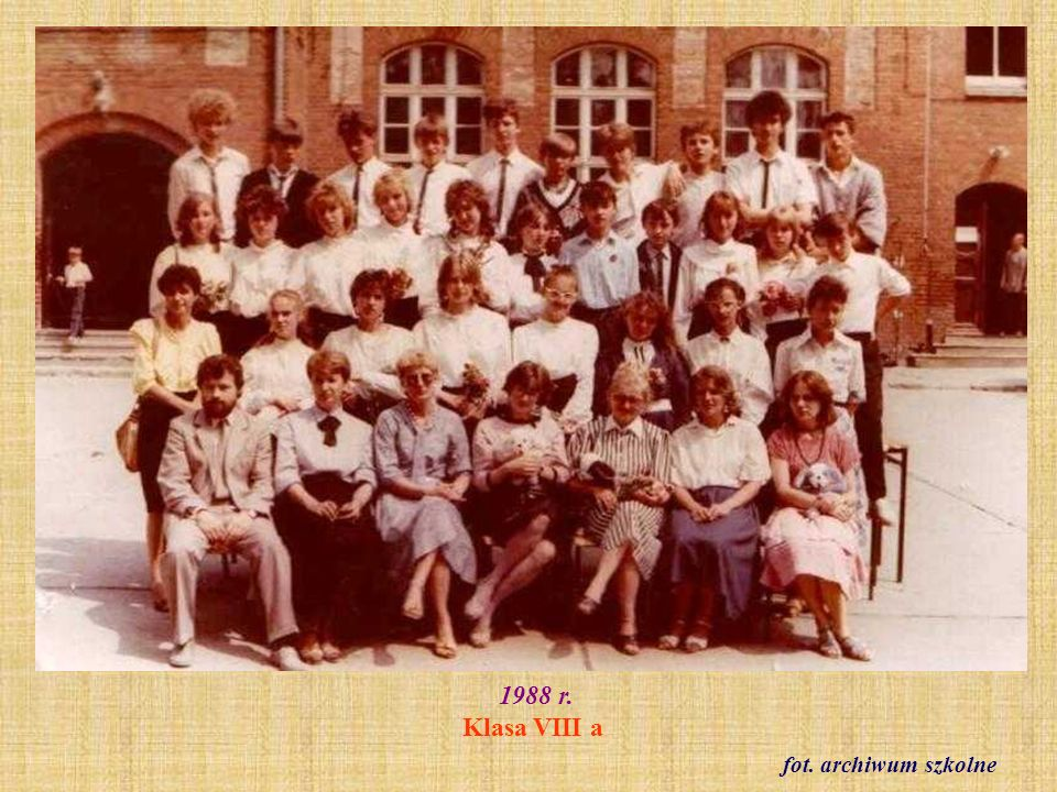 1988 r. Klasa VIII a fot. archiwum szkolne