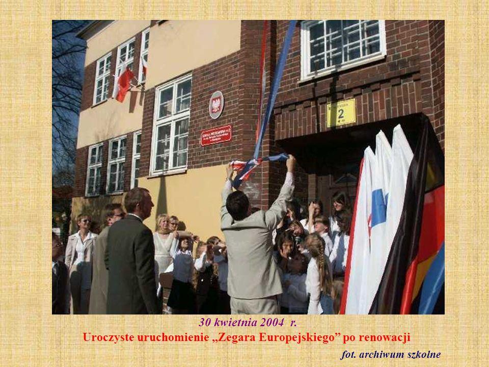 """30 kwietnia 2004 r. Uroczyste uruchomienie """"Zegara Europejskiego po renowacji"""