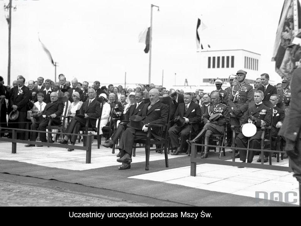 Uczestnicy uroczystości podczas Mszy Św.