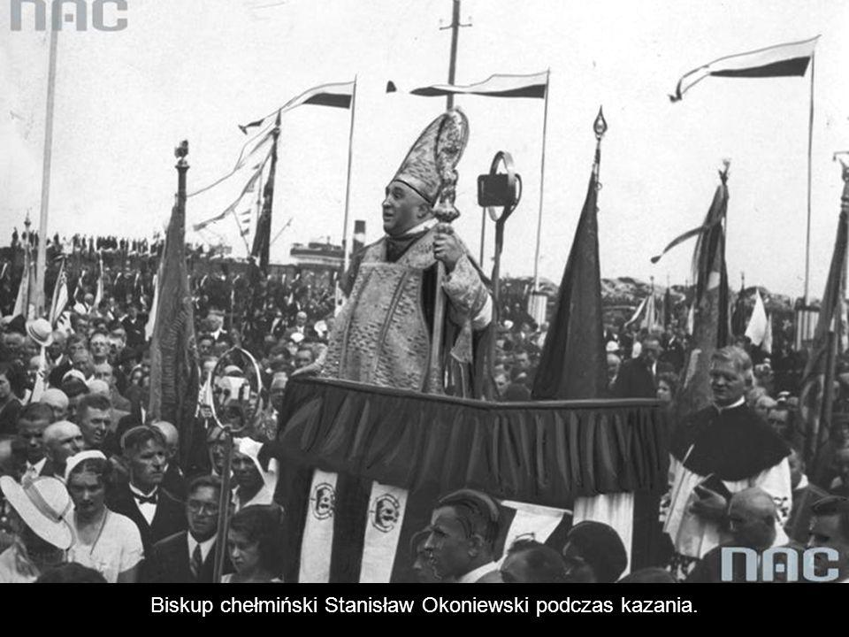 Biskup chełmiński Stanisław Okoniewski podczas kazania.