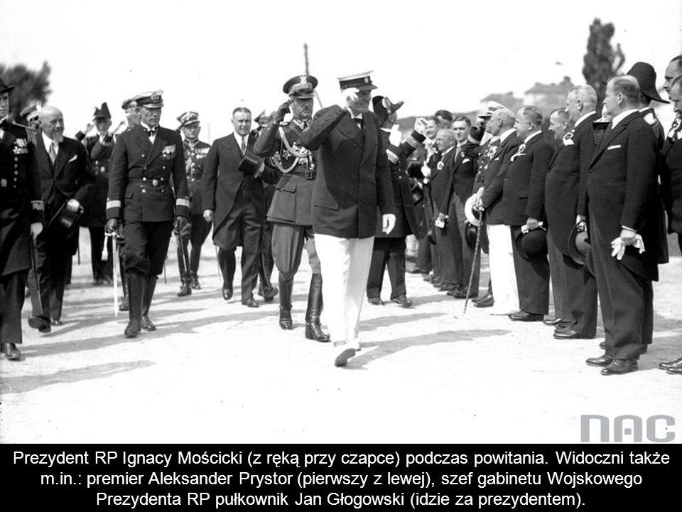 Prezydent RP Ignacy Mościcki (z ręką przy czapce) podczas powitania