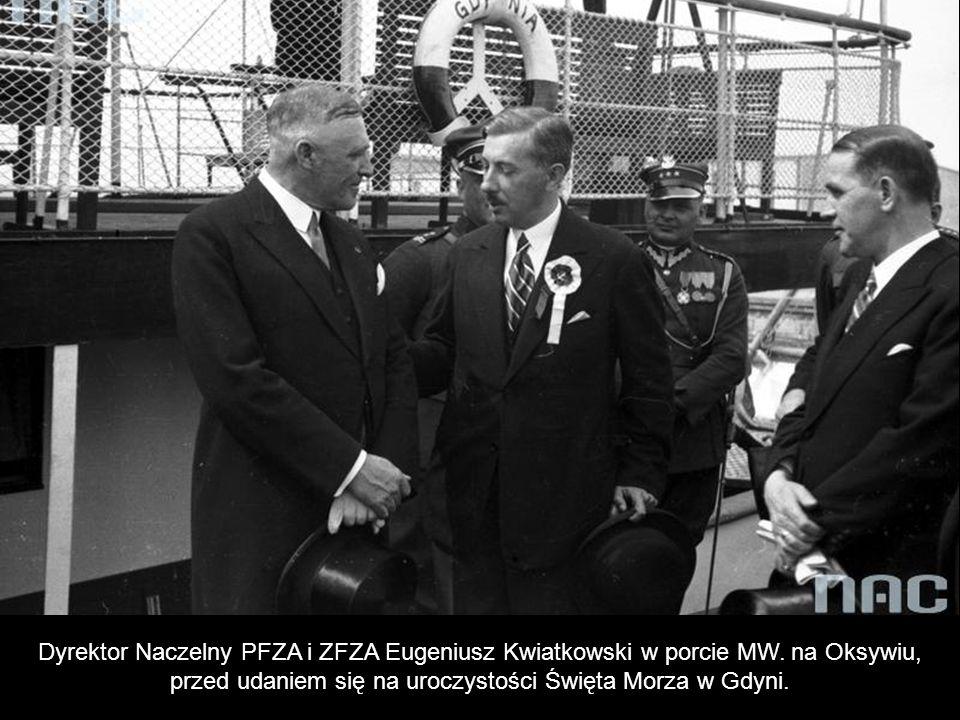 Dyrektor Naczelny PFZA i ZFZA Eugeniusz Kwiatkowski w porcie MW