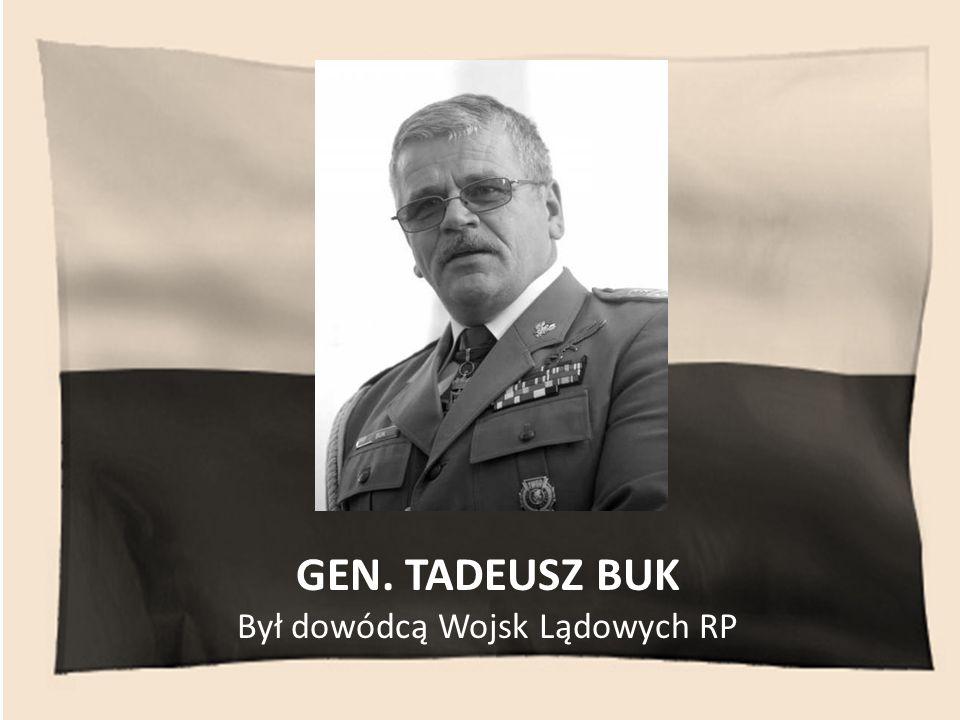 Był dowódcą Wojsk Lądowych RP