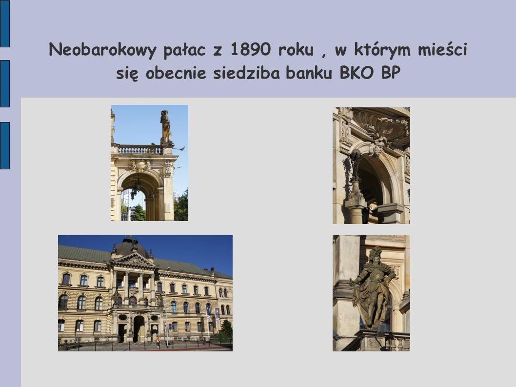 Neobarokowy pałac z 1890 roku , w którym mieści się obecnie siedziba banku BKO BP