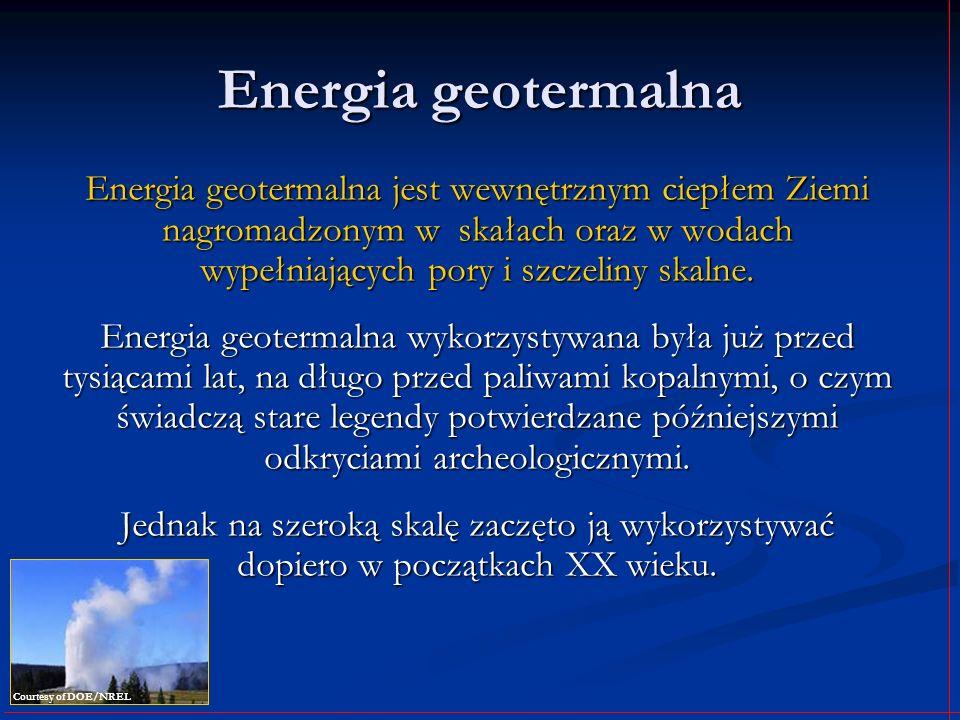 Energia geotermalnaEnergia geotermalna jest wewnętrznym ciepłem Ziemi nagromadzonym w skałach oraz w wodach wypełniających pory i szczeliny skalne.