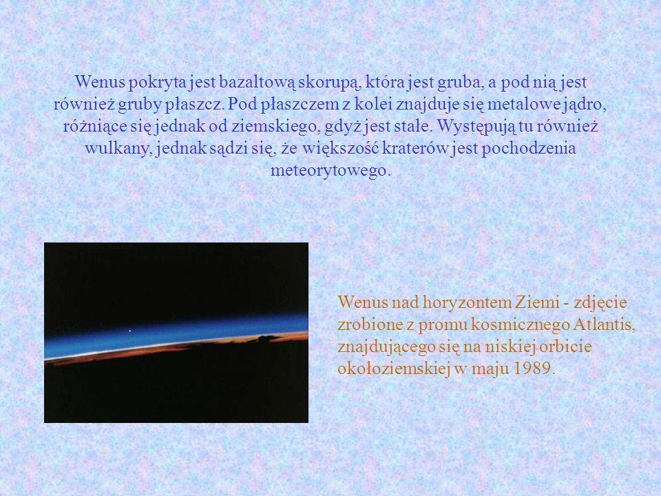 Wenus pokryta jest bazaltową skorupą, która jest gruba, a pod nią jest również gruby płaszcz. Pod płaszczem z kolei znajduje się metalowe jądro, różniące się jednak od ziemskiego, gdyż jest stałe. Występują tu również wulkany, jednak sądzi się, że większość kraterów jest pochodzenia meteorytowego.