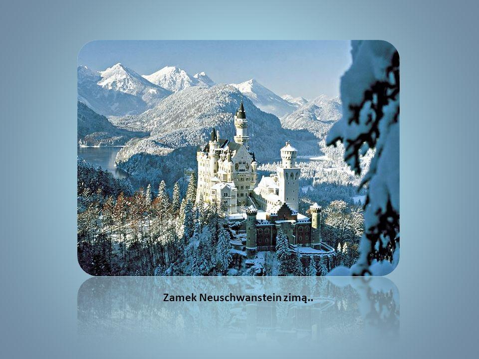 Zamek Neuschwanstein zimą..