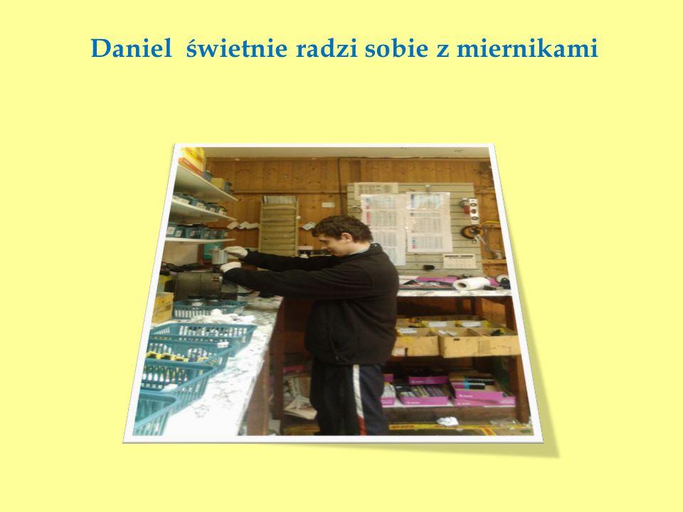 Daniel świetnie radzi sobie z miernikami
