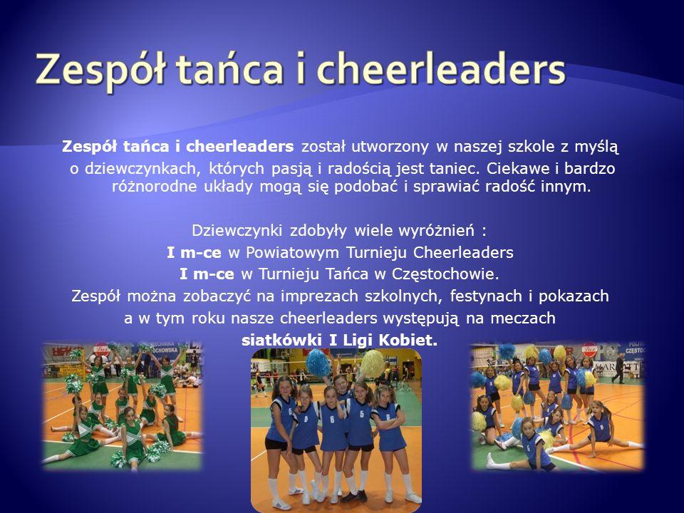 Zespół tańca i cheerleaders