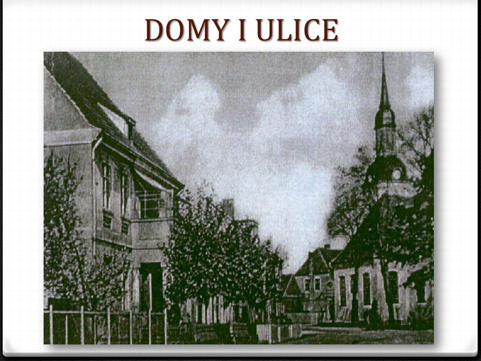 DOMY I ULICE