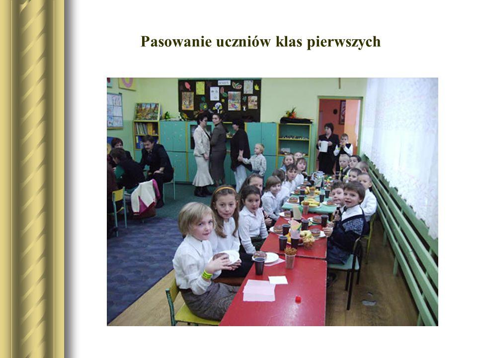 Pasowanie uczniów klas pierwszych