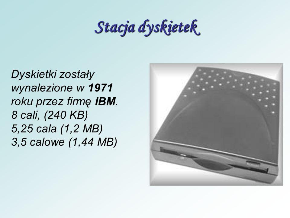 Stacja dyskietek Dyskietki zostały wynalezione w 1971 roku przez firmę IBM. 8 cali, (240 KB) 5,25 cala (1,2 MB)