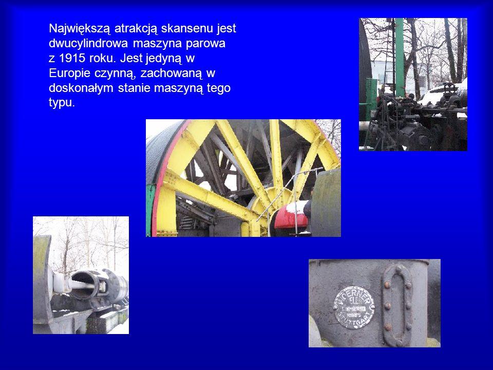 Największą atrakcją skansenu jest dwucylindrowa maszyna parowa z 1915 roku.